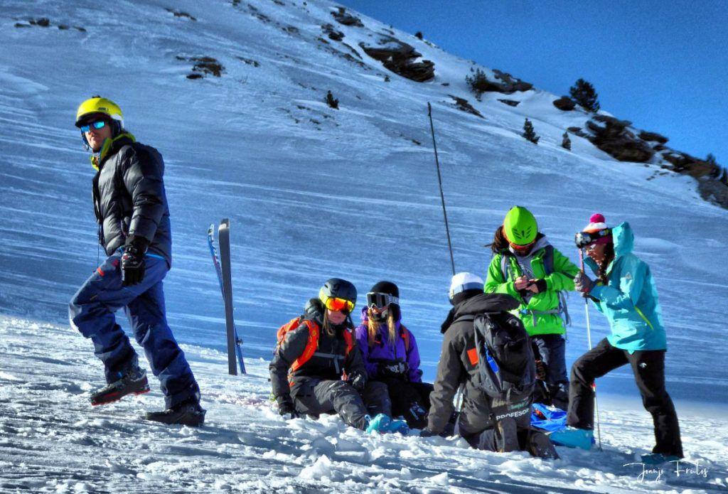 P1310680 fhdr 001 1024x695 - Curso formación rescate en caso de alud de nieve.