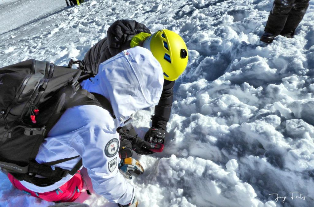 P1310688 fhdr 001 1024x677 - Curso formación rescate en caso de alud de nieve.