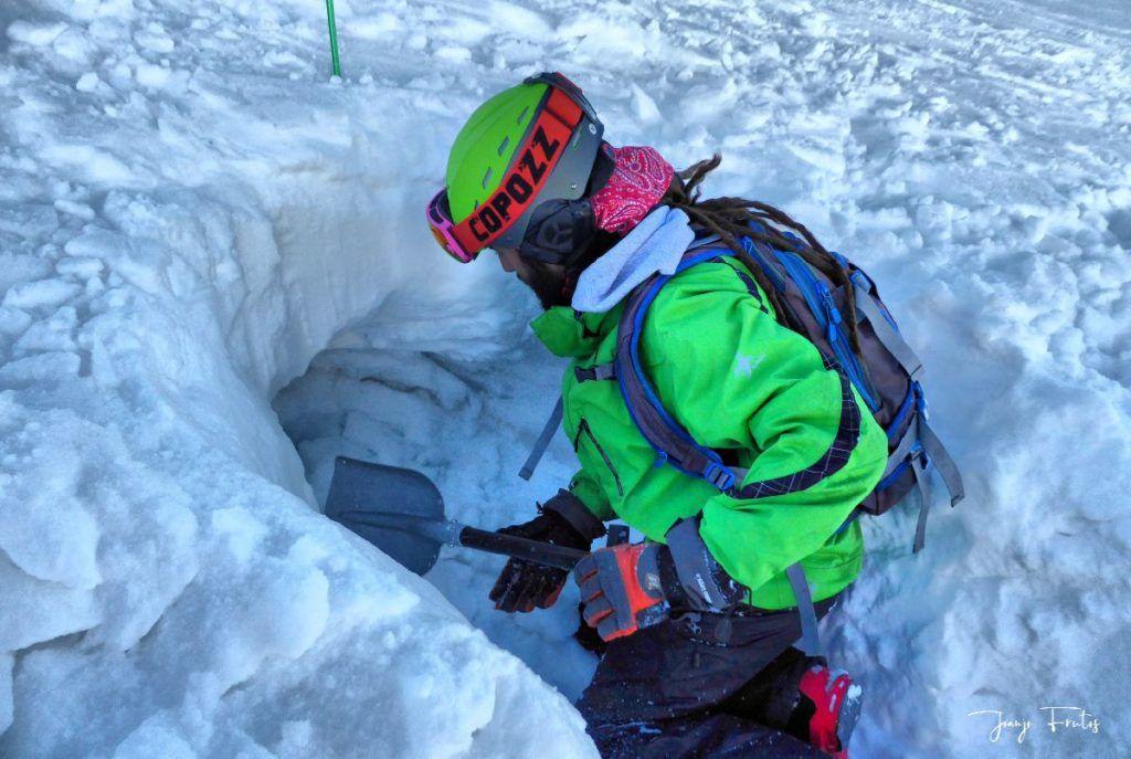 P1310695 fhdr 001 1024x687 - Curso formación rescate en caso de alud de nieve.