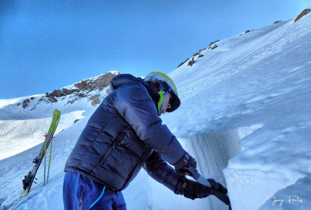 P1310700 fhdr 001 1024x693 - Curso formación rescate en caso de alud de nieve.