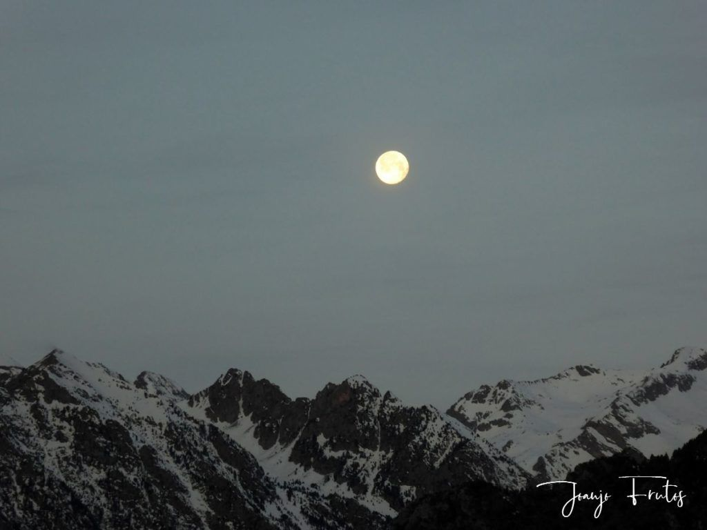 P1310710 1024x768 - Otra Luna llena en Cerler ...