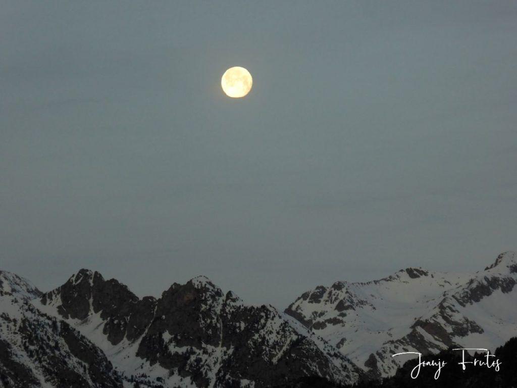 P1310711 1024x768 - Otra Luna llena en Cerler ...