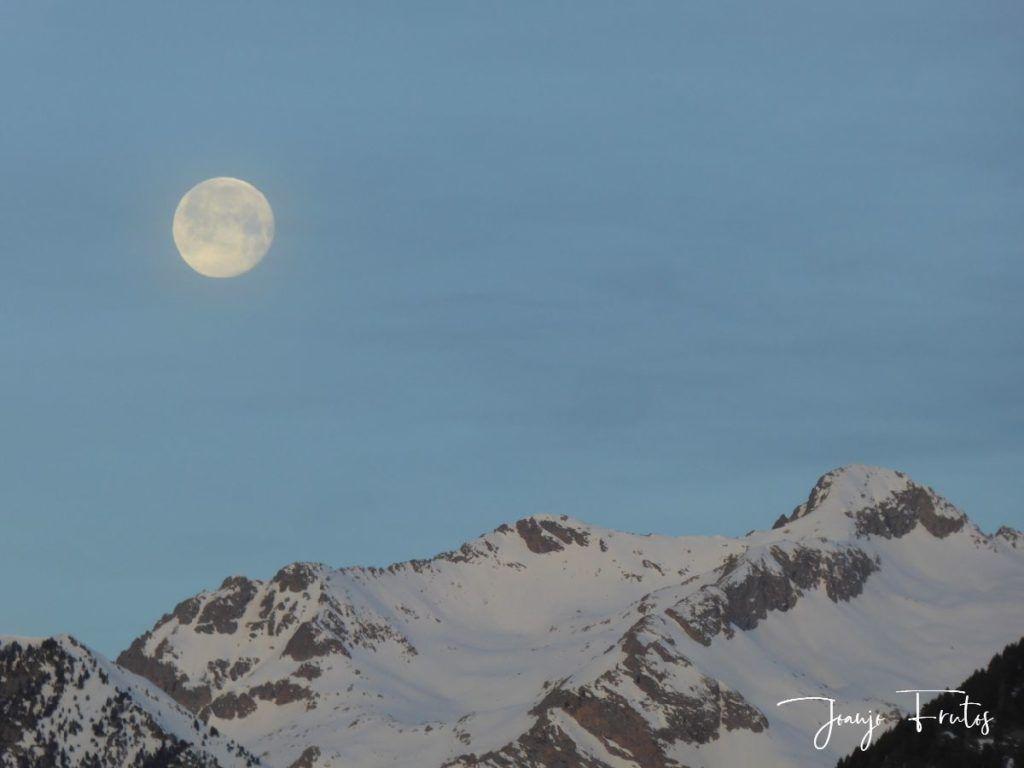 P1310715 1024x768 - Otra Luna llena en Cerler ...