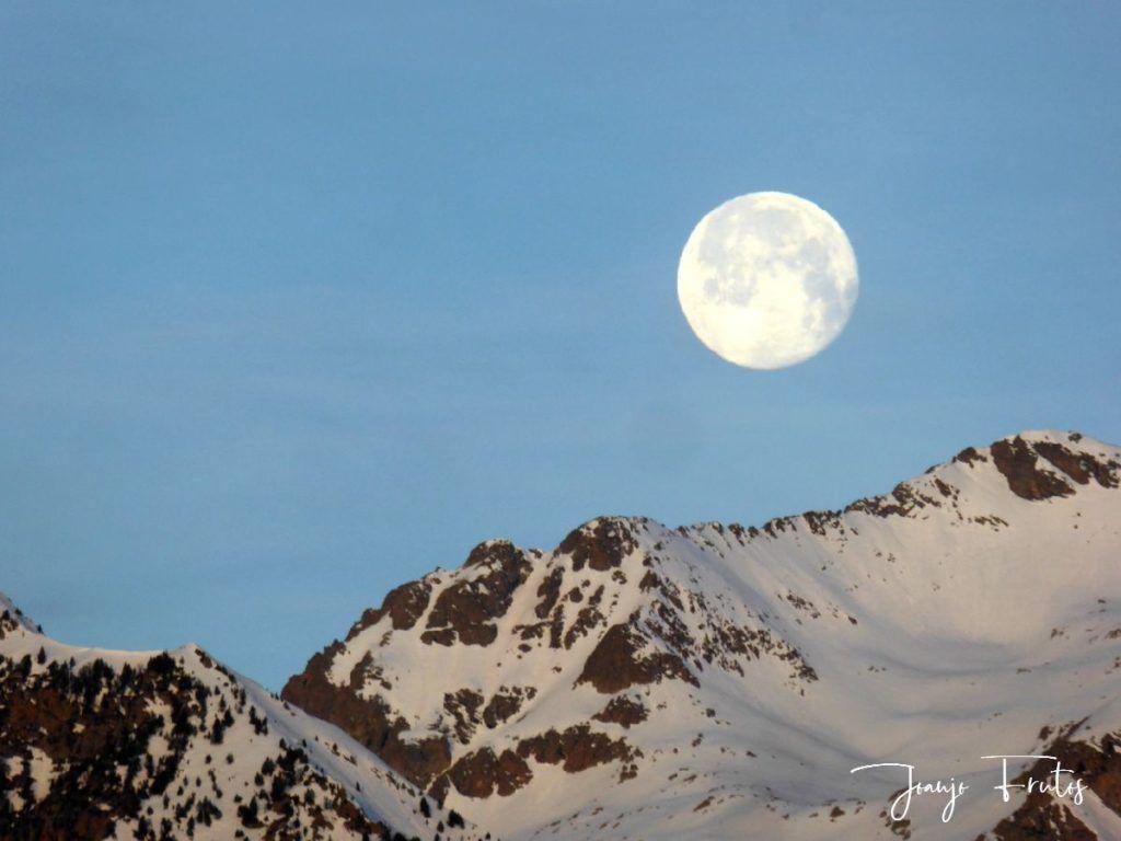 P1310718 1024x768 - Otra Luna llena en Cerler ...