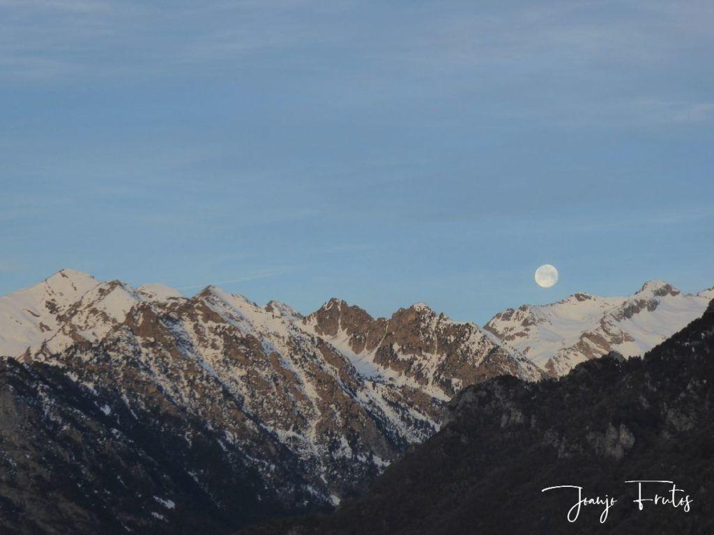 P1310719 1024x768 - Otra Luna llena en Cerler ...