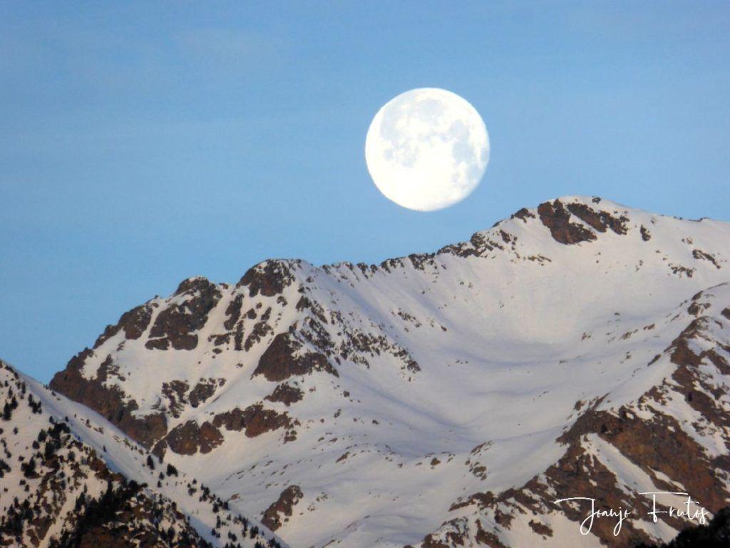 P1310724 1024x768 - Otra Luna llena en Cerler ...