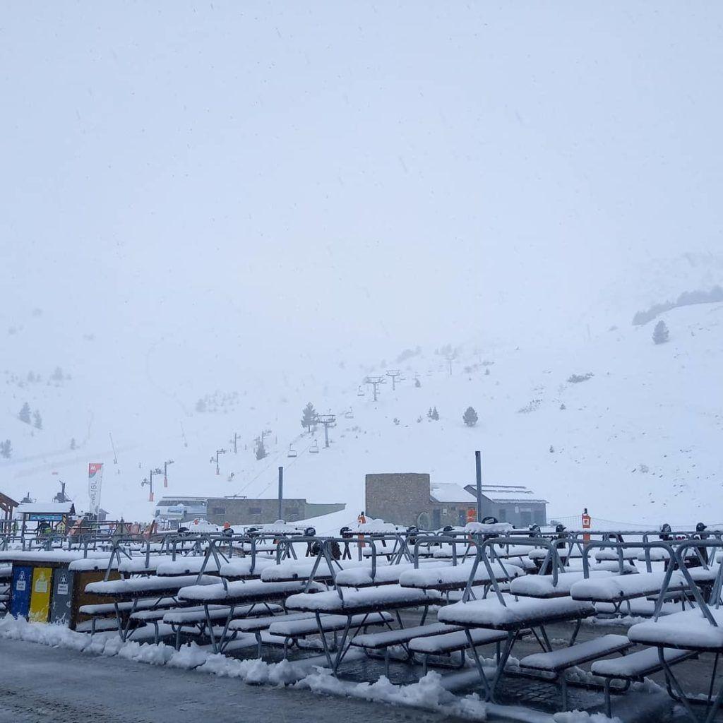 89081182 10218765175472966 5324034248871510016 o 1024x1024 - Y ha vuelto la nieve ... Cerler.