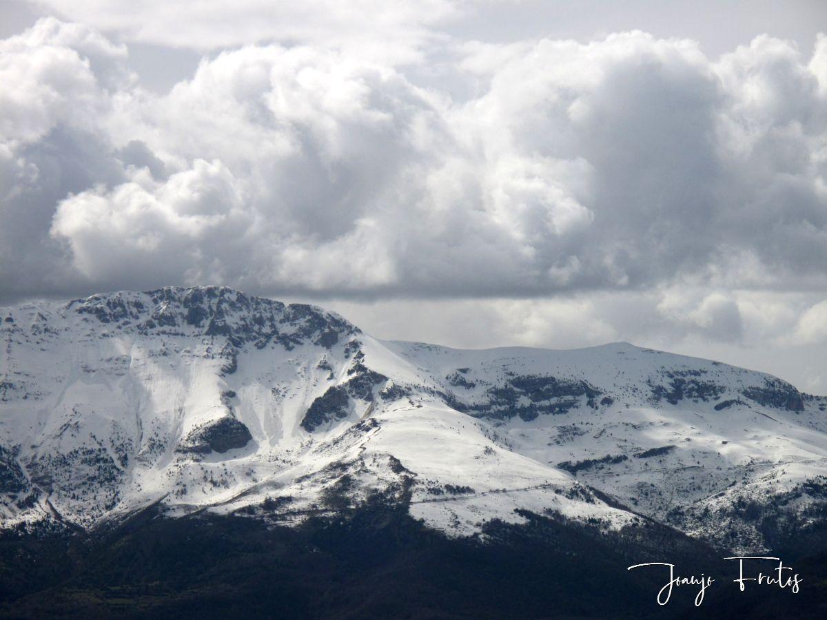 IMG 0002 - Cielo gris en el Valle de Benasque.