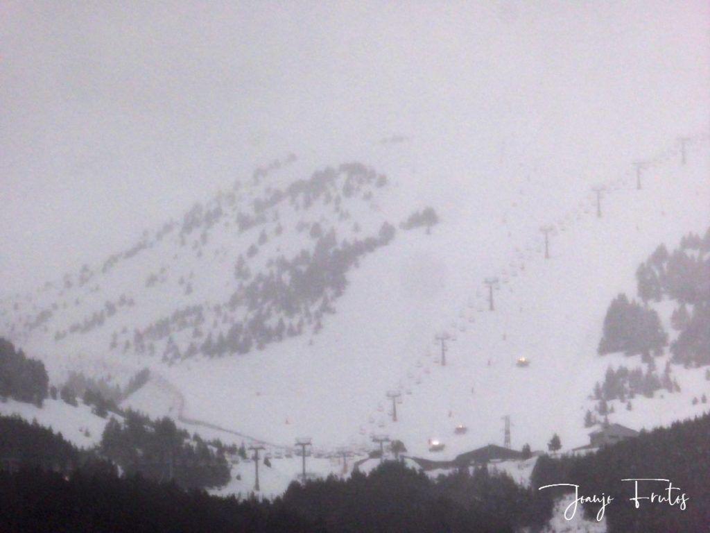 P1310878 1024x768 - Y ha vuelto la nieve ... Cerler.