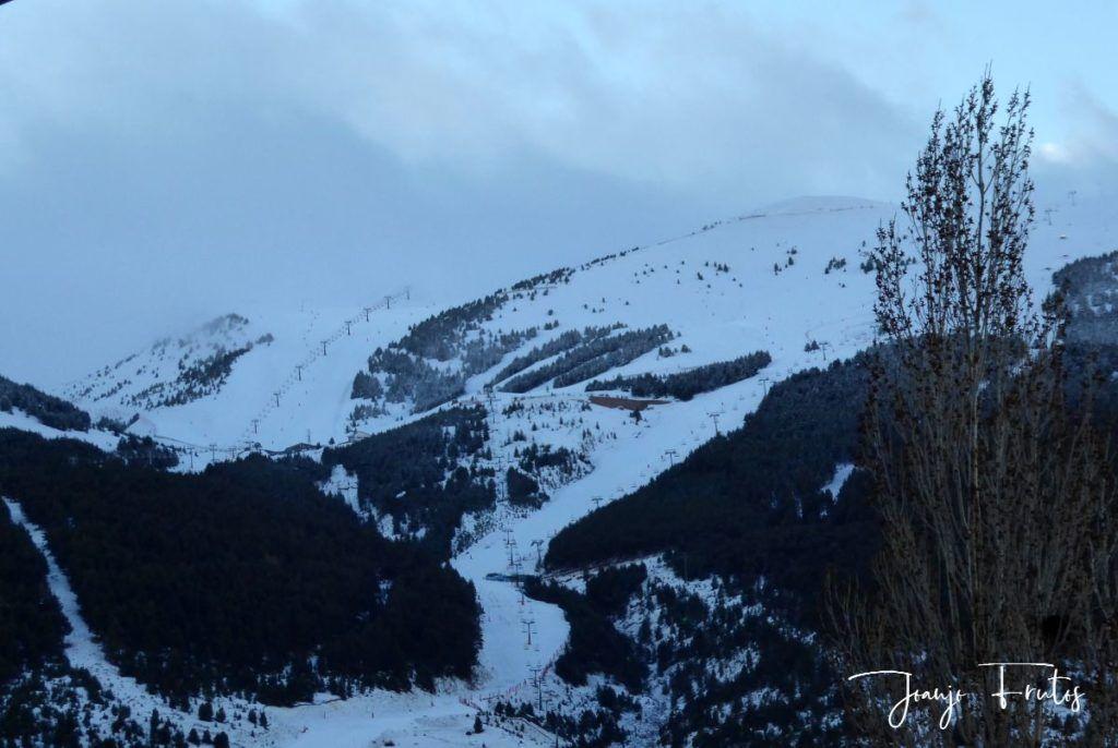 P1310881 1024x686 - Y ha vuelto la nieve ... Cerler.