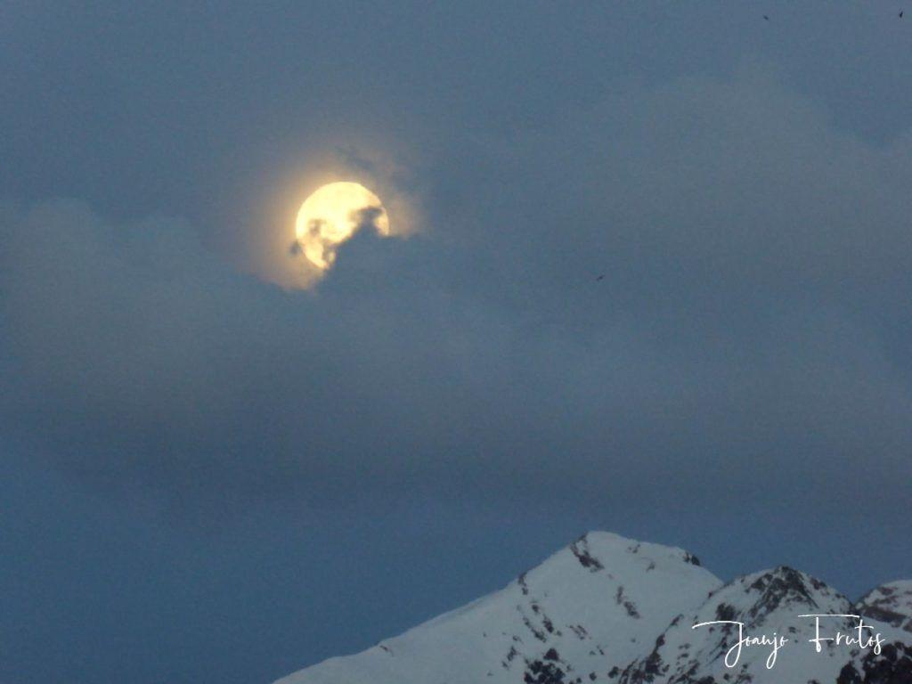 P1310898 1024x768 - Luna llena y viento en Cerler.