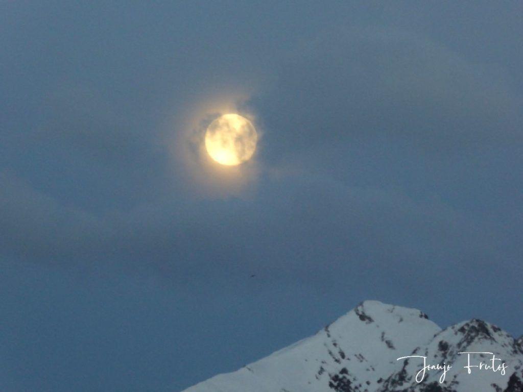 P1310899 1024x768 - Luna llena y viento en Cerler.