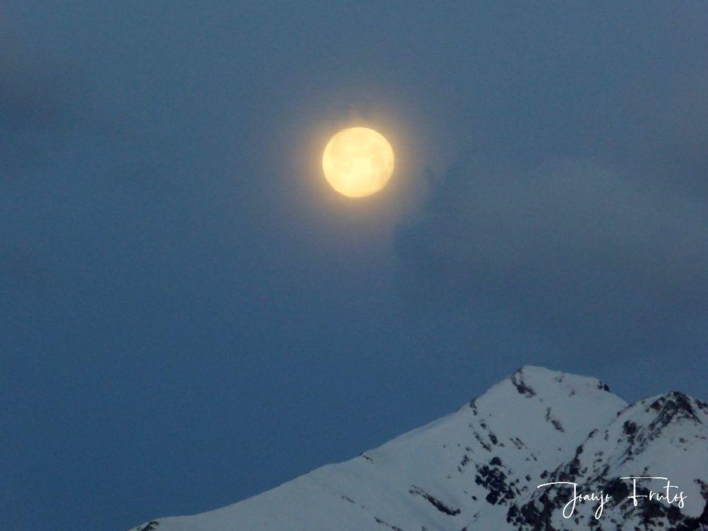 P1310901 1024x768 - Luna llena y viento en Cerler.