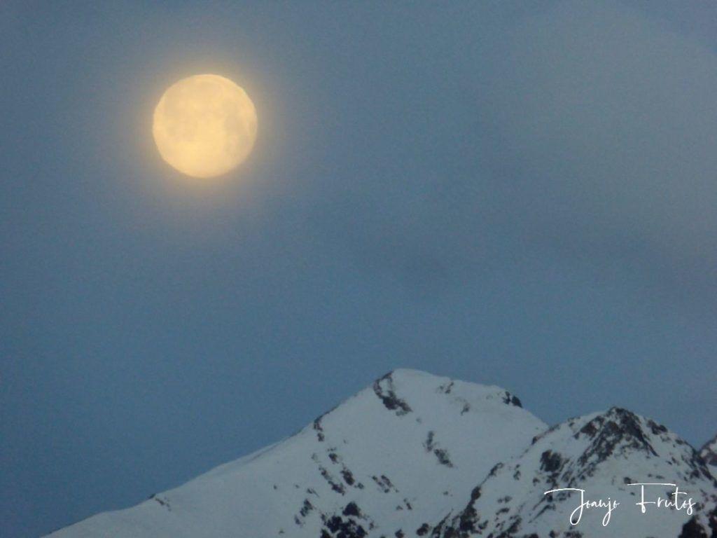 P1310903 1024x768 - Luna llena y viento en Cerler.
