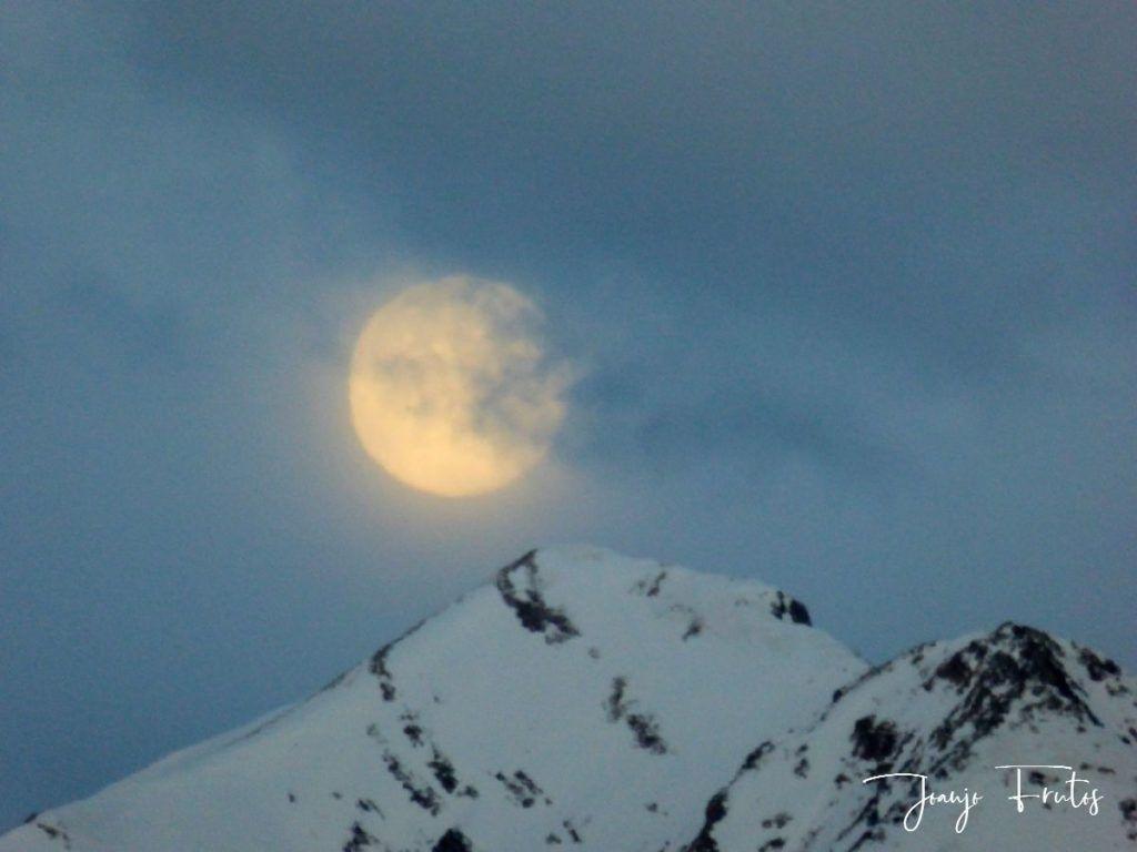 P1310906 1024x768 - Luna llena y viento en Cerler.