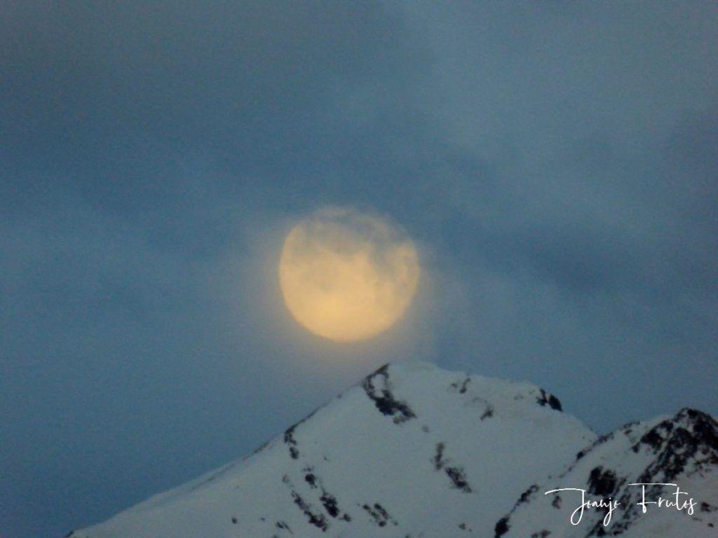 P1310907 1024x768 - Luna llena y viento en Cerler.