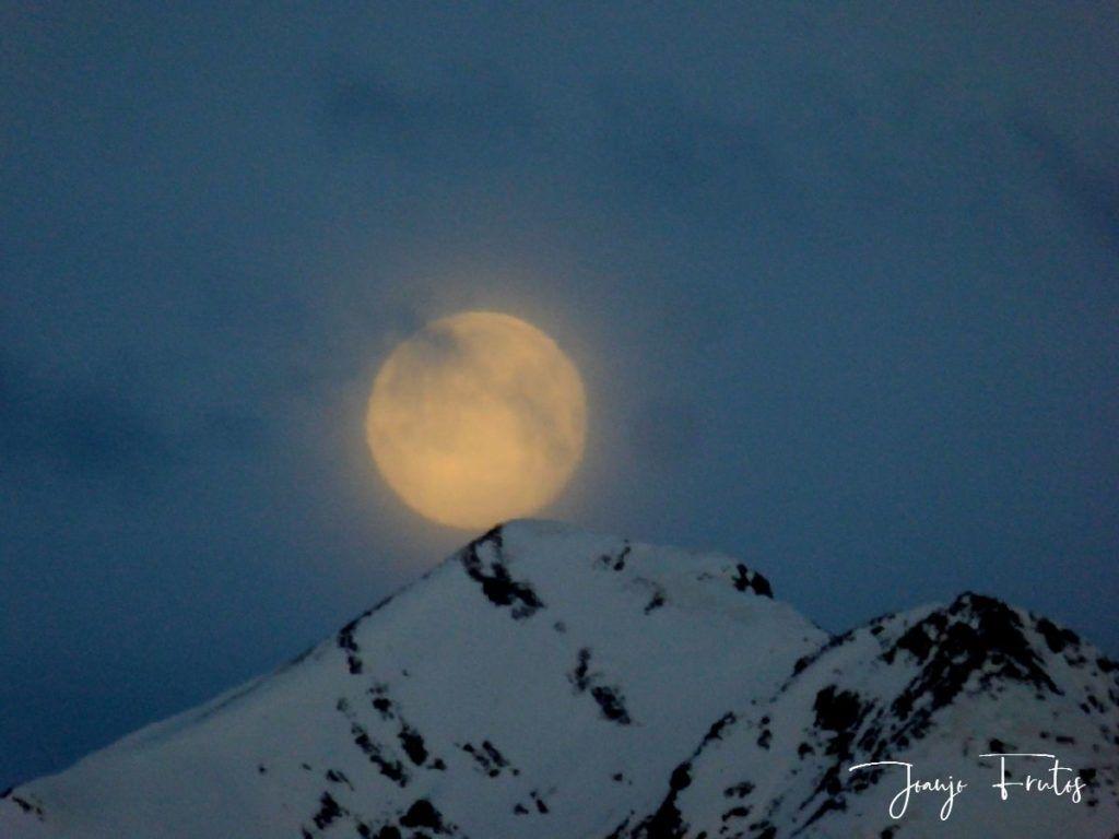 P1310908 1024x768 - Luna llena y viento en Cerler.