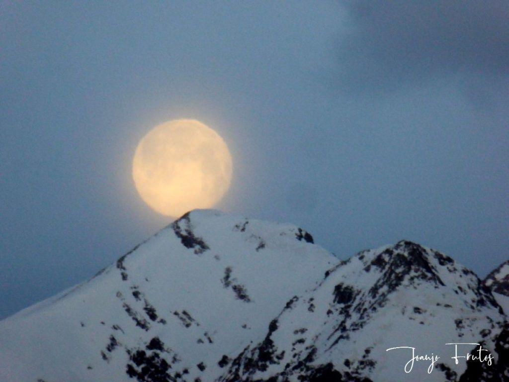P1310909 1024x768 - Luna llena y viento en Cerler.