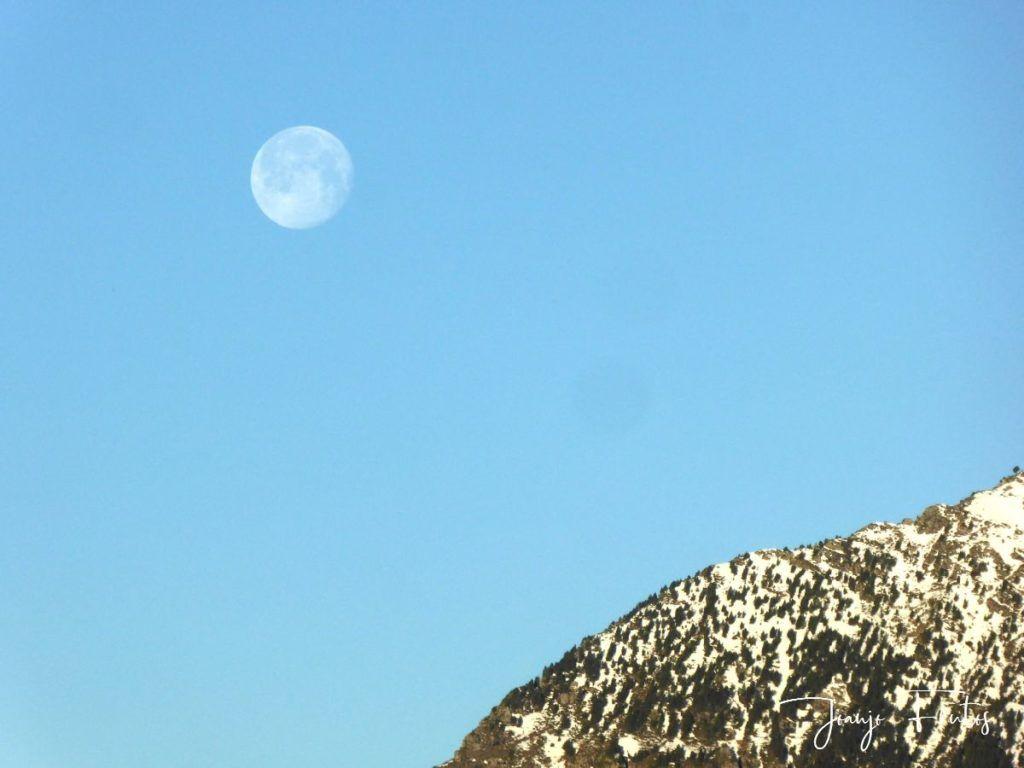 P1310911 1024x768 - Luna llena y viento en Cerler.