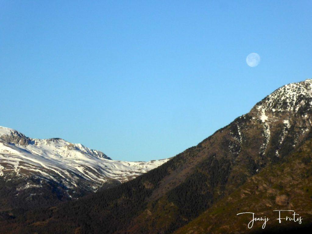 P1310914 1024x768 - Luna llena y viento en Cerler.