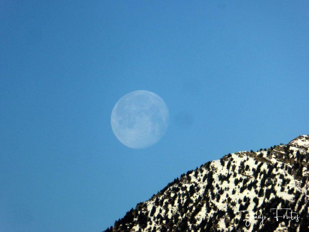 P1310915 1024x768 - Luna llena y viento en Cerler.