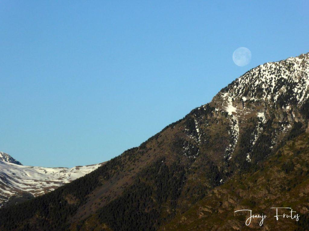 P1310918 1024x768 - Luna llena y viento en Cerler.