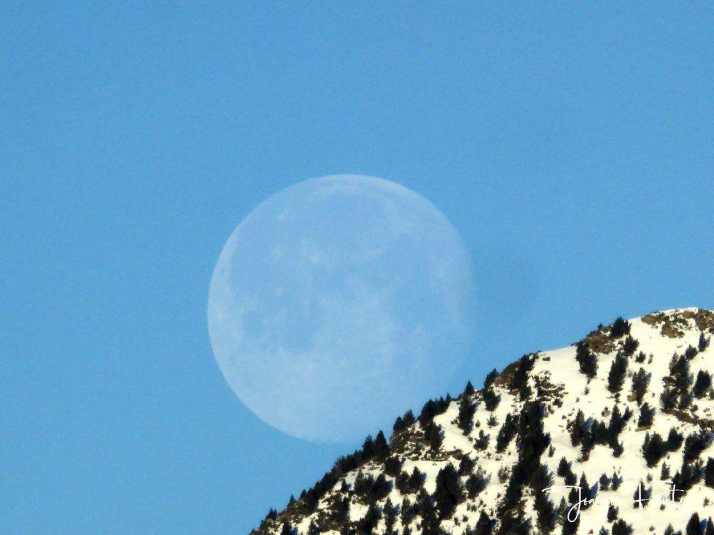 P1310921 1024x768 - Luna llena y viento en Cerler.