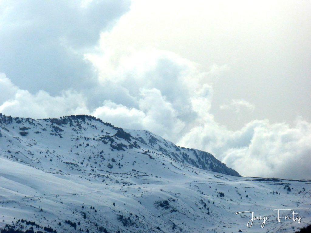 P1310970 1024x768 - Cielo gris en el Valle de Benasque.
