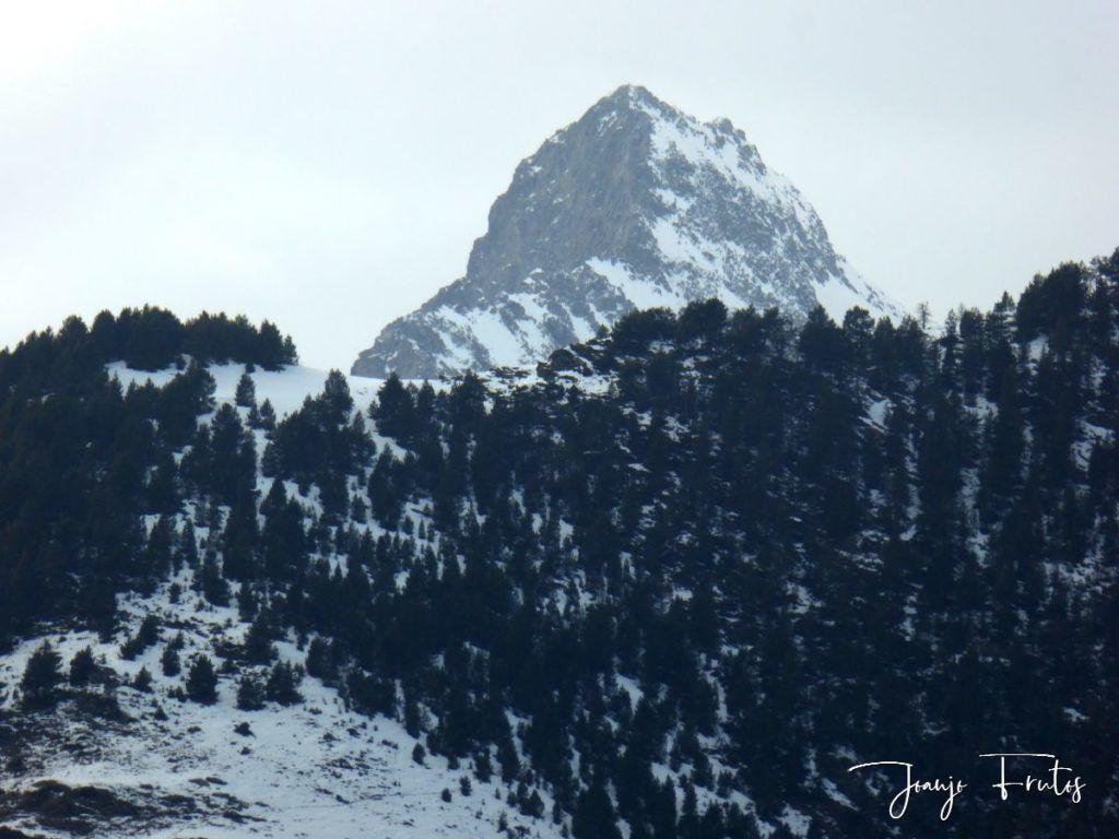 P1310980 1024x768 - Cielo gris en el Valle de Benasque.