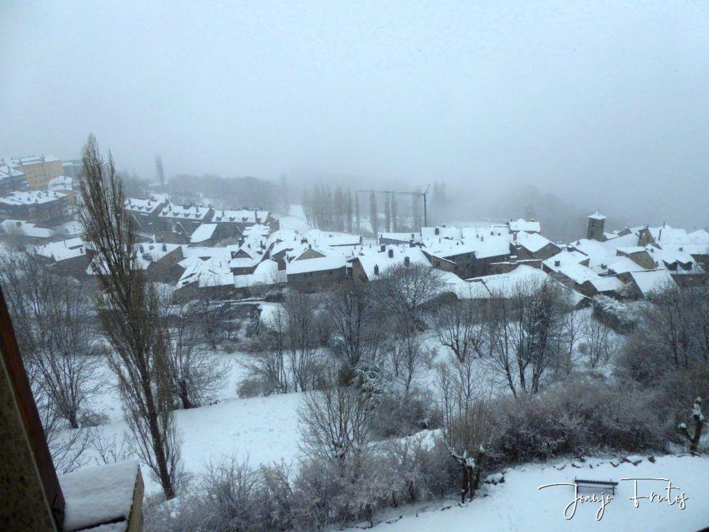 P1320126 1024x768 - Se casi acaba marzo nevando en Cerler (Valle de Benasque).