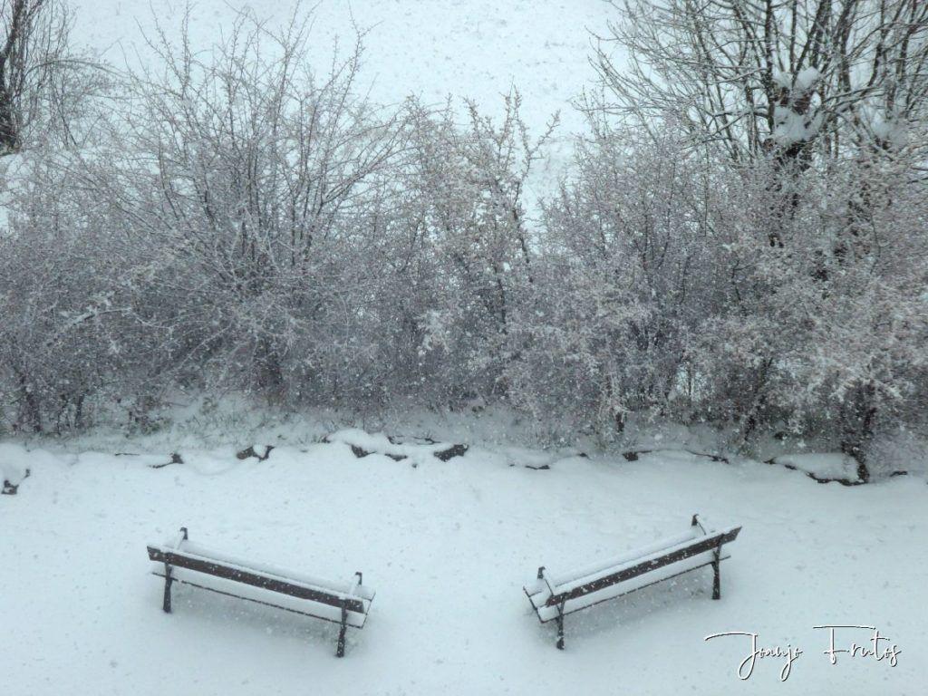 P1320128 1024x768 - Se casi acaba marzo nevando en Cerler (Valle de Benasque).