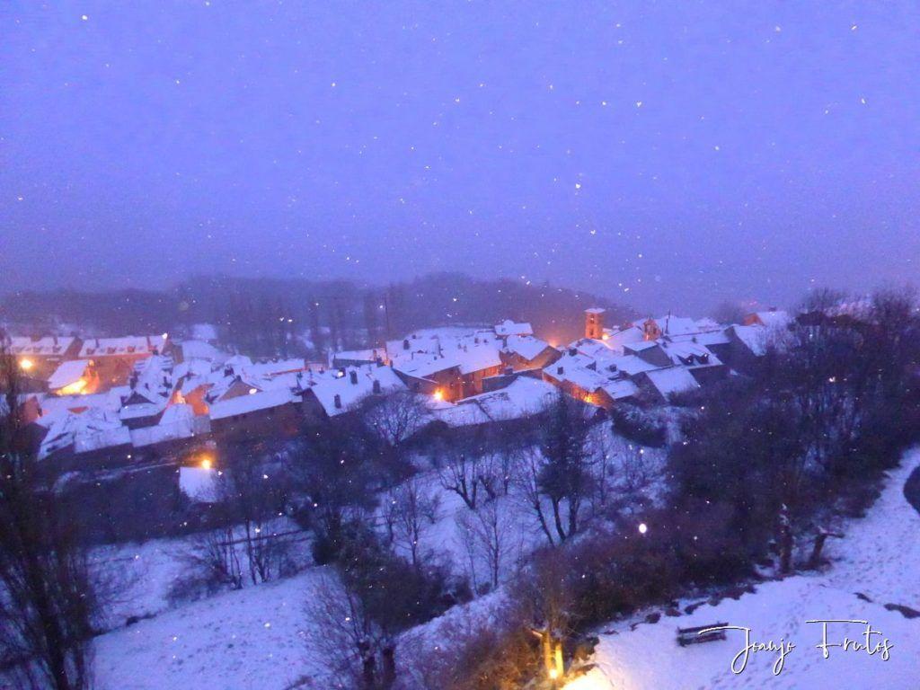 P1320145 1024x768 - Se casi acaba marzo nevando en Cerler (Valle de Benasque).