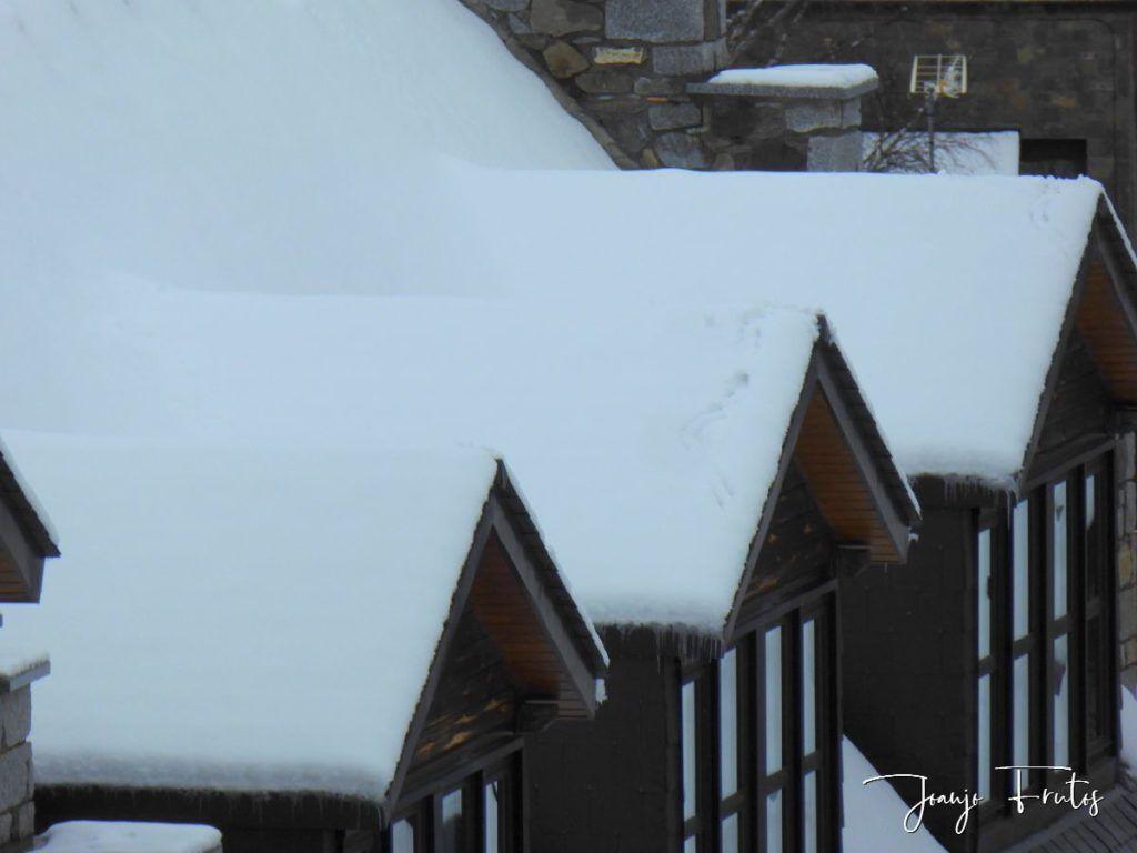 P1320168 1024x768 - Acaba marzo 2020 y sigue nevando en Cerler