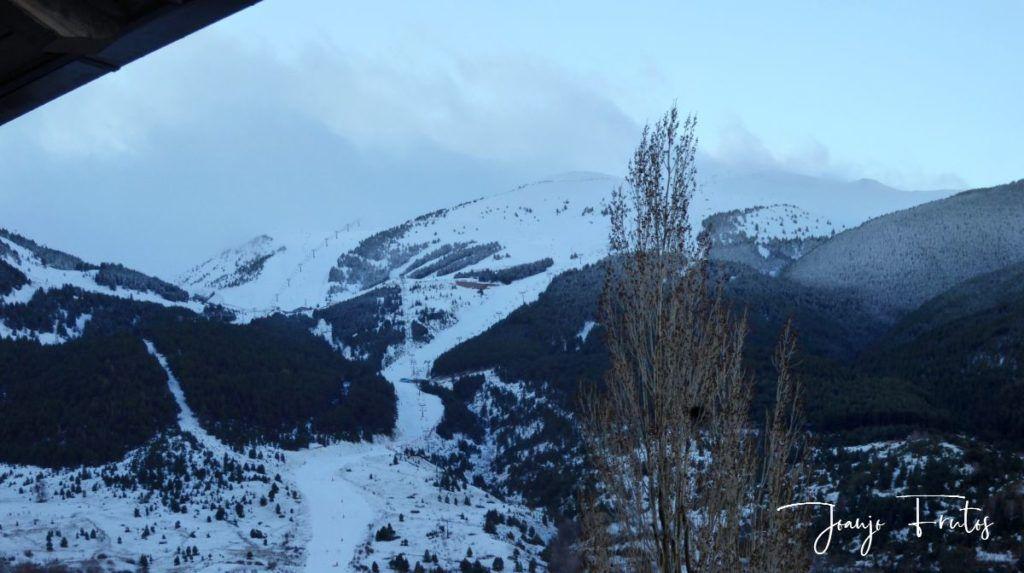 Panorama 1 1024x573 - Y ha vuelto la nieve ... Cerler.
