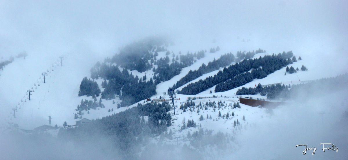 Panorama 1 3 - Acaba marzo 2020 y sigue nevando en Cerler