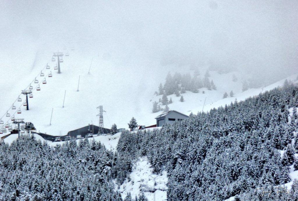 P1320190 fhdr 1024x692 - Abril y resistiendo las ganas ... Cerler con mucha nieve.