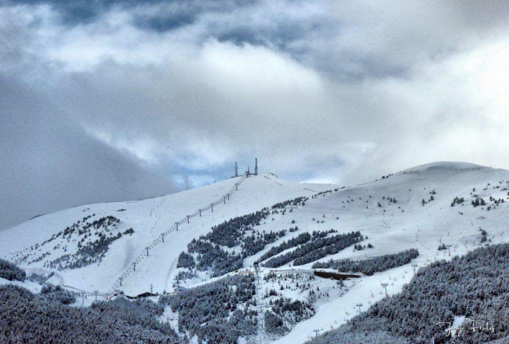 P1320194 fhdr 1024x693 - Abril y resistiendo las ganas ... Cerler con mucha nieve.