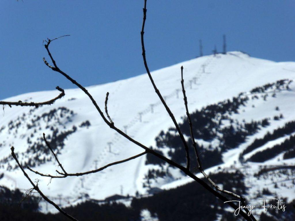 P1320233 1024x768 - Abril, sol, nieve, confinamiento, Cerler.