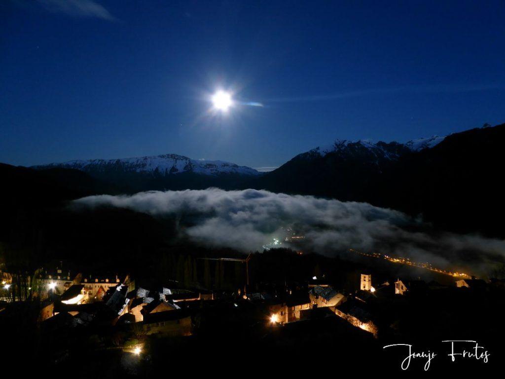 P1320543 1024x768 - Amanece con Luna Rosa en el Valle de Benasque