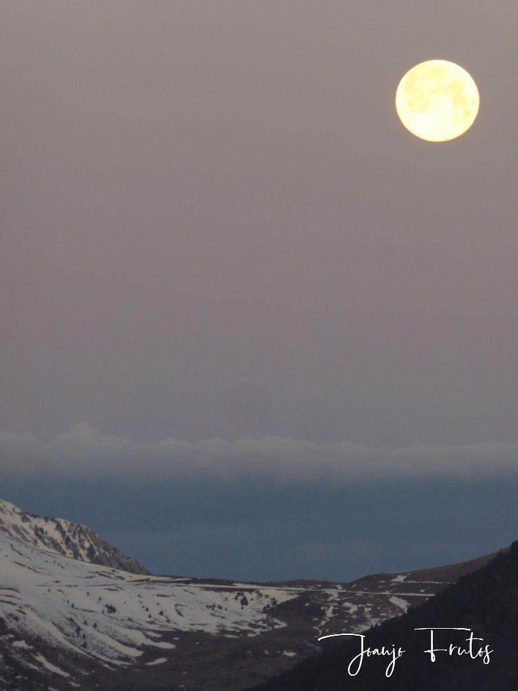 P1320562 - Amanece con Luna Rosa en el Valle de Benasque