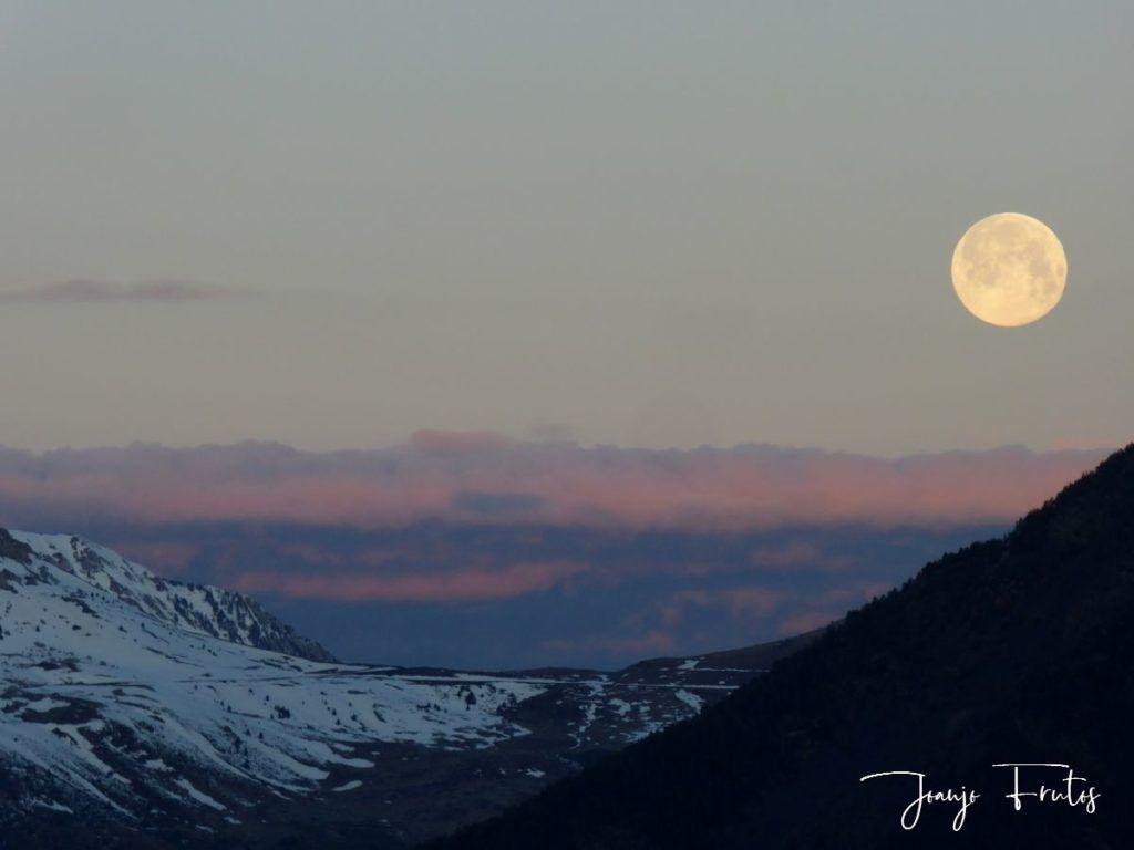 P1320573 1024x768 - Amanece con Luna Rosa en el Valle de Benasque