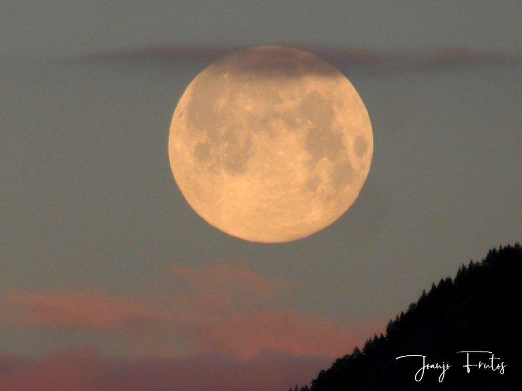 P1320583 1024x768 - Amanece con Luna Rosa en el Valle de Benasque