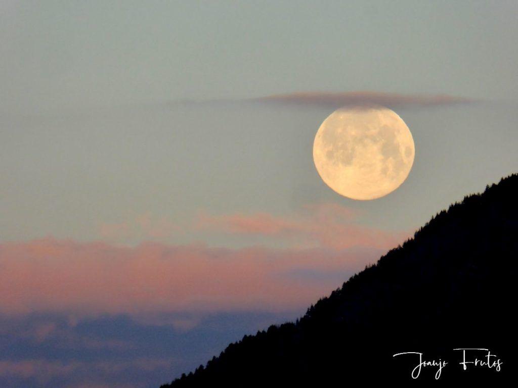 P1320584 1024x768 - Amanece con Luna Rosa en el Valle de Benasque