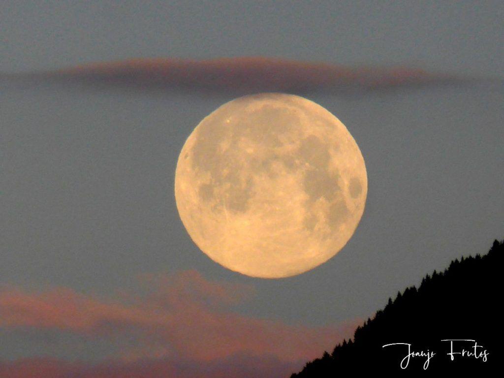 P1320585 1024x768 - Amanece con Luna Rosa en el Valle de Benasque