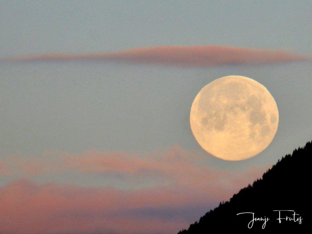 P1320587 1024x768 - Amanece con Luna Rosa en el Valle de Benasque