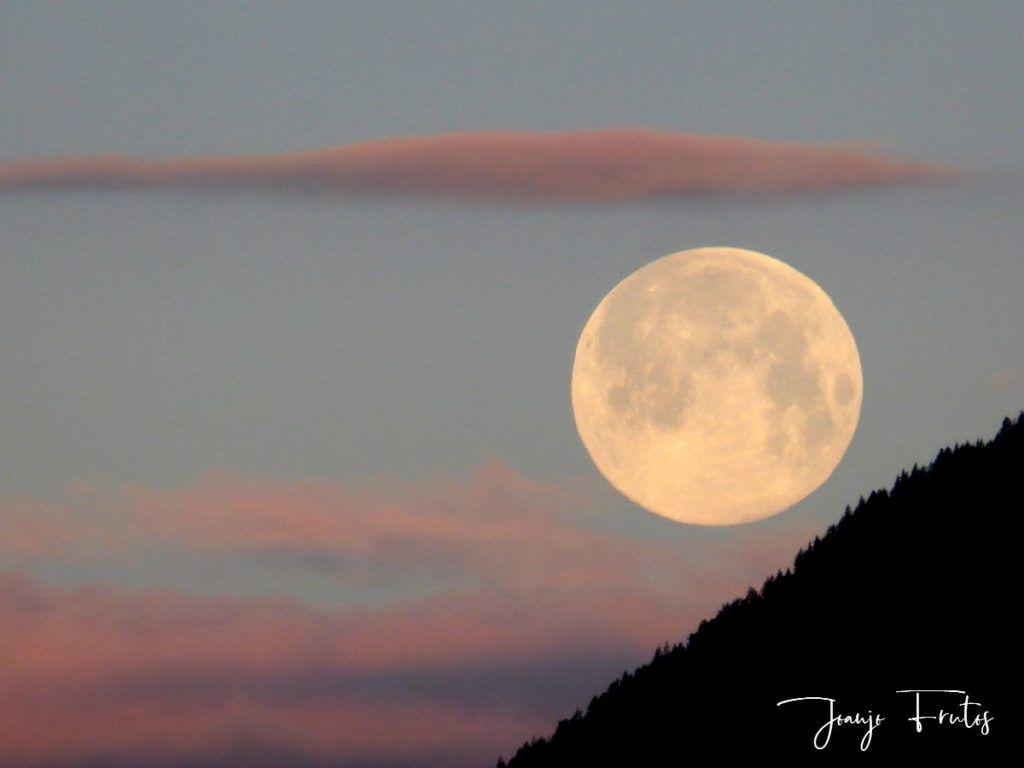 P1320588 1024x768 - Amanece con Luna Rosa en el Valle de Benasque