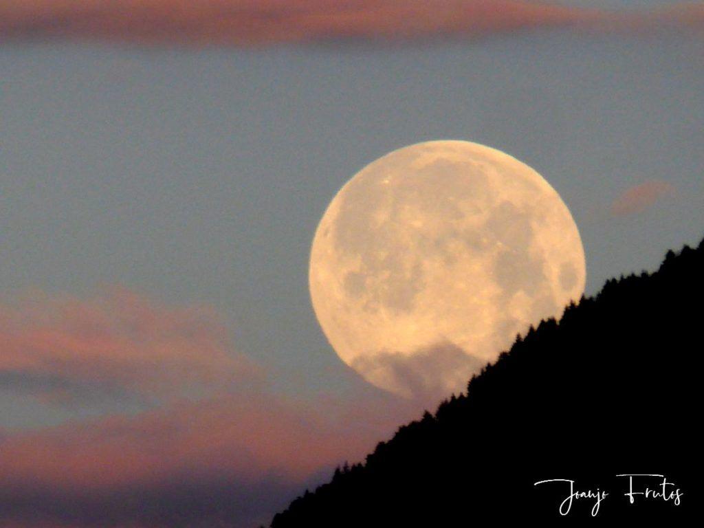 P1320591 1024x768 - Amanece con Luna Rosa en el Valle de Benasque