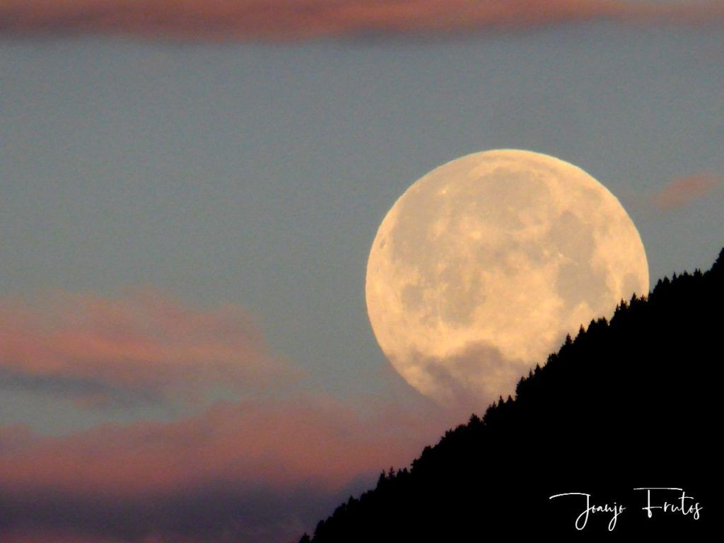 P1320592 1024x768 - Amanece con Luna Rosa en el Valle de Benasque