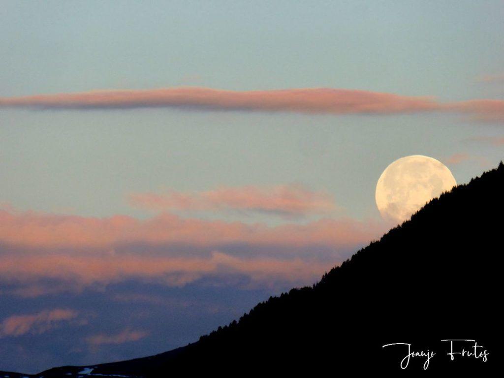 P1320594 1024x768 - Amanece con Luna Rosa en el Valle de Benasque