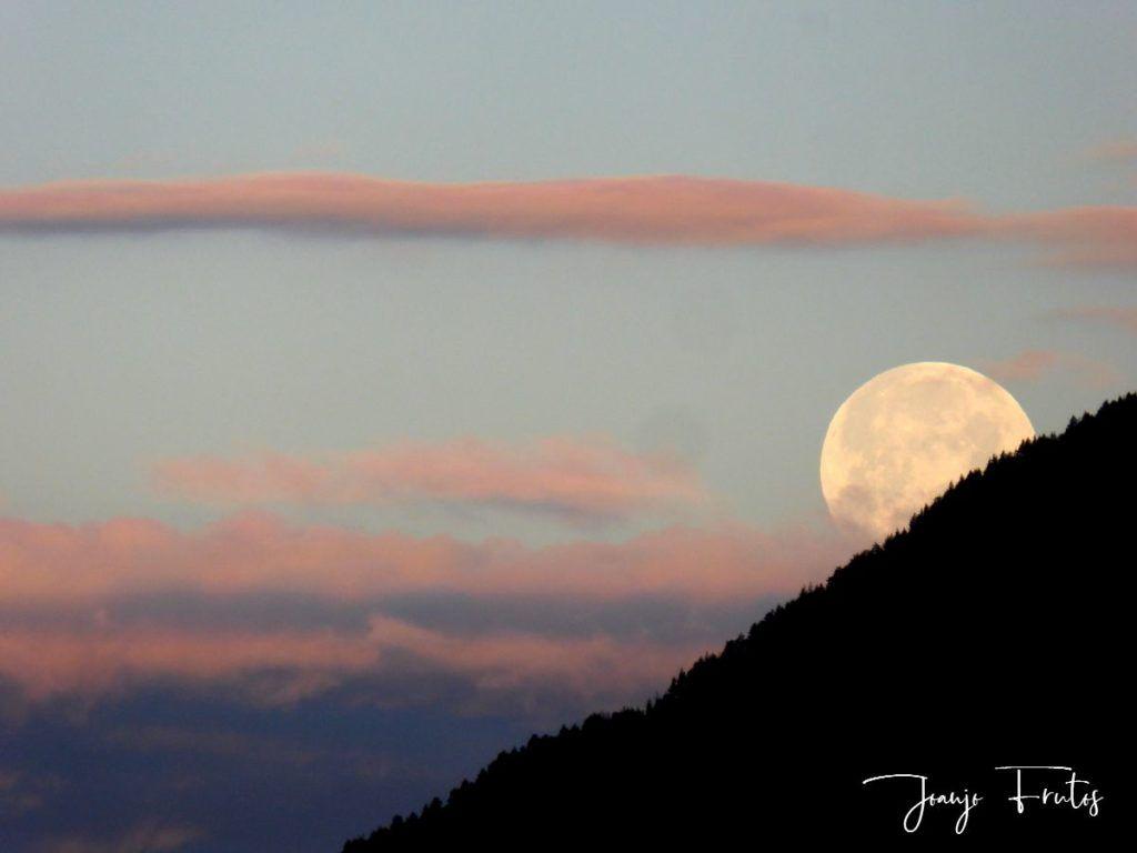 P1320595 1024x768 - Amanece con Luna Rosa en el Valle de Benasque